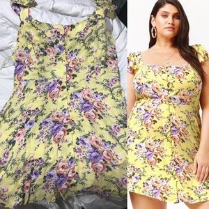 Dresses & Skirts - plus size really cute yellow button  flower dress